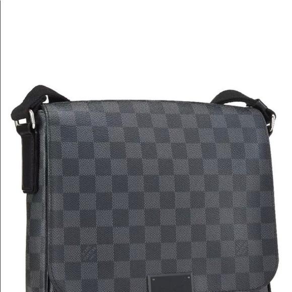 28e933974cbc Authentic Louis Vuitton Damier Graphite Daniel GM.